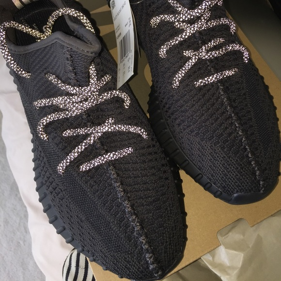 Yeezy 35 Black Static Reflective Laces